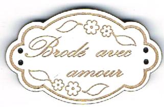 BE112B - Bouton Brodé avec amour