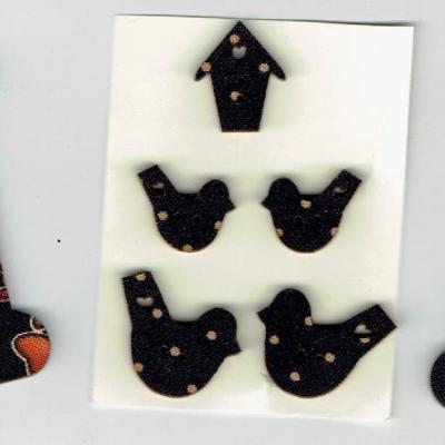 CVCB12 - Lot cartonette et boutons
